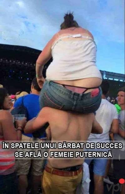 In spatele unui barbat de succes sta o femeie puternica