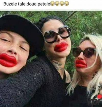 Buzele tale, ca doua petale!