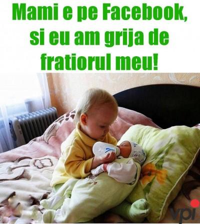 Mama pe Facebook