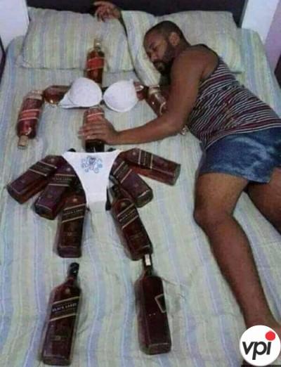 În pat cu iubita