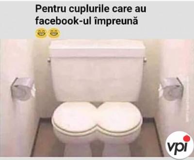 Cuplurile cu Facebook împreună